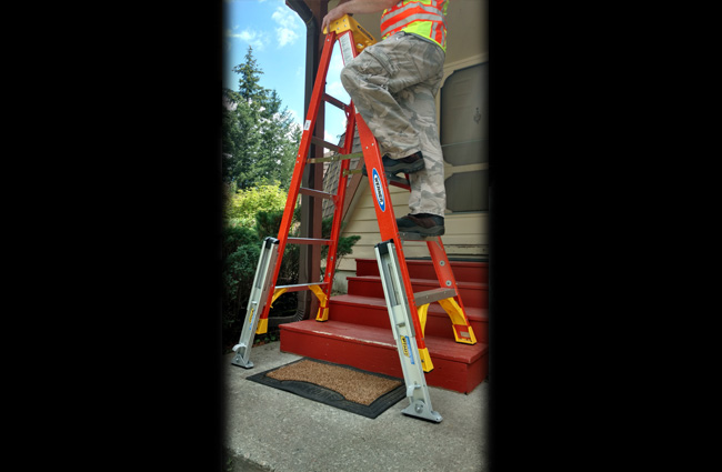 Fiberglass Step Ladder QC Levelers
